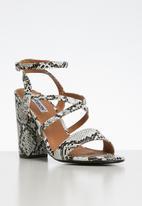 Madison® - Snake print block heel - white & black