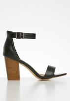 Madison® - Ankle strap heel - black