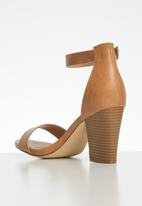 Madison® - Ankle strap heel - brown
