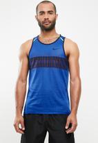 Nike - Nike wild run tank - blue & black