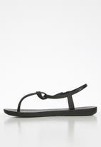 Ipanema - Ellie fem T-strap sandal - black
