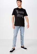 Cotton On - Young thug - gothic tee - black