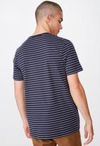 Cotton On - Tbar easy premium crew neck tee - navy & white
