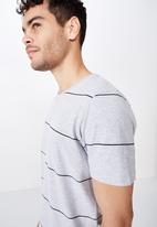 Cotton On - Tbar premium crew neck tee - grey & black