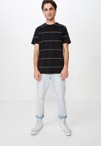 Cotton On - Tbar space premium crew neck tee - black & white