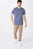 Cotton On - Tbar premium crew neck tee - blue & white