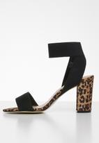 Call It Spring - Ankle strap block heel - black & brown