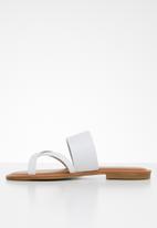 ALDO - Celodia leather sandal - white