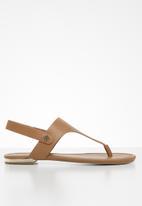 Call It Spring - Gombessa t-bar sandal - tan