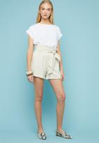 Superbalist - Belted utility shorts - neutral