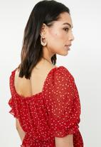 Missguided - Ditsy floral bardot top - red