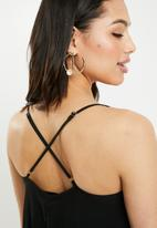 Missguided - Strappy pleated maxi dress - black