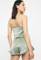 Missguided - Cropped cami satin pj set - khaki