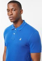 POLO - Carter custom fit short sleeve pique golfer - blue