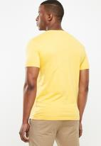 POLO - Lucas plain crew neck tee - yellow