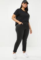 Cotton On - Curve taylor mom jean - black