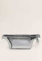MANGO - Metallic belt bag - silver