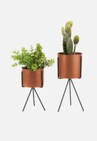 Present Time - Pedestal iron plant pot set – clay brown