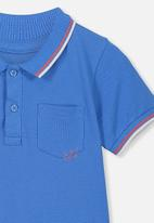 Cotton On - Kendricks short sleeve polo tee - blue