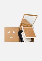 Benefit Cosmetics - Hello happy velvet powder foundation - shade 8