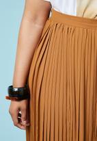 Superbalist - Pleated maxi skirt - rust