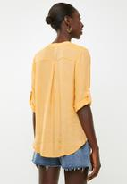 Revenge - Key hole top - yellow