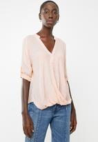 Revenge - Key hole top - pink