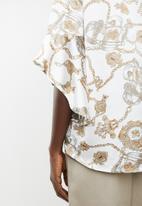 Revenge - Flutter sleeve top - white & gold