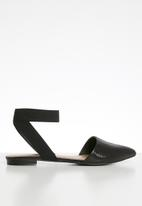 Call It Spring - Mamry flat - black