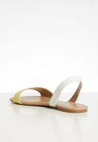 Call It Spring - Waliweth sandal - light yellow