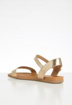 Call It Spring - Kassian buckle strap sandal - gold