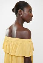 Forever21 - Off shoulder ruffle overlay dress - yellow