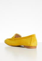 edit - Core comfort loafer - yellow