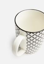 Excellent Housewares - Geo mug set of 4 - black & white