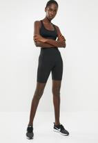 Nike - Nike sportswear legasee bike short - black