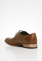 Superbalist - Ben formal shoe - tan