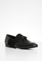 Superbalist - Ernest leather loafer - black