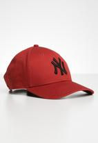 New Era - 9Forty league essential New York Yankees - red