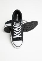 Converse - Chuck Taylor All Star dainty low top sneakers - black