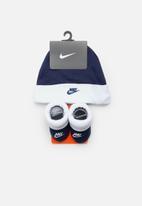 Nike - Nike futura hat and bootie set - blue & white