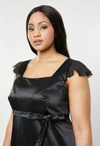 AMANDA LAIRD CHERRY - Plus size viola maxi dress - black