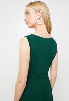 AMANDA LAIRD CHERRY - Leticia knot detail maxi dress - green
