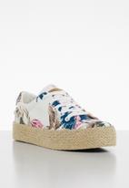 Miss Black - Canvas floral print flatform sneaker - white