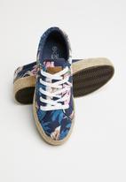 Miss Black - Canvas floral print flatform sneaker - navy