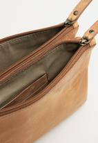 Escape Society - Leather cross body travel bag - tan