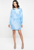 Missguided - Tie dye jersey shirt dress - blue