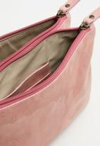 Escape Society - Leather cross body travel bag - pink