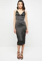 Missguided - Stretch satin cupped cami midi dress - black