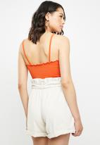 Missguided - Lettuce hem straight neck bodysuit - orange
