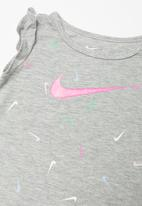 Nike - Swooshfetti tunic & capri set - grey & pink